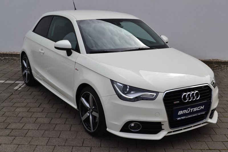 audi a1 ambition 1 4 tfsi s tronic navi xenon. Black Bedroom Furniture Sets. Home Design Ideas