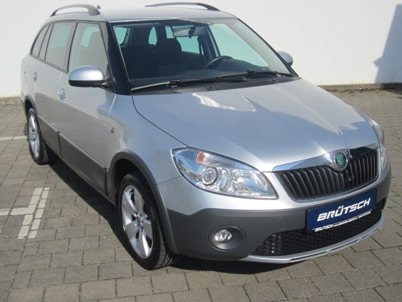 skoda fabia combi 1 2 tsi scout klima navi pdc. Black Bedroom Furniture Sets. Home Design Ideas