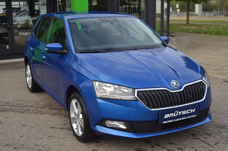skoda fabia facelift 1 0 mpi cool plus br tsch edition 5. Black Bedroom Furniture Sets. Home Design Ideas