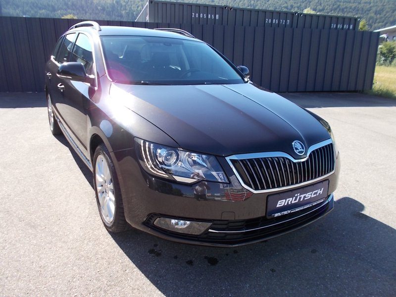 skoda superb combi 2 0 tdi exclusive xenon ahk gebraucht kaufen in tuttlingen preis 14380 eur. Black Bedroom Furniture Sets. Home Design Ideas