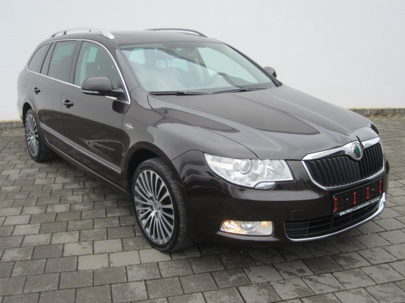skoda superb combi 2 0 tdi dsg l k navi xenon gebraucht kaufen in tuttlingen preis 15990 eur. Black Bedroom Furniture Sets. Home Design Ideas