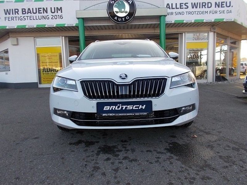 skoda superb combi 2 0 tdi scr dsg style vorf hrfahrzeug kaufen in singen preis 36690 eur int. Black Bedroom Furniture Sets. Home Design Ideas