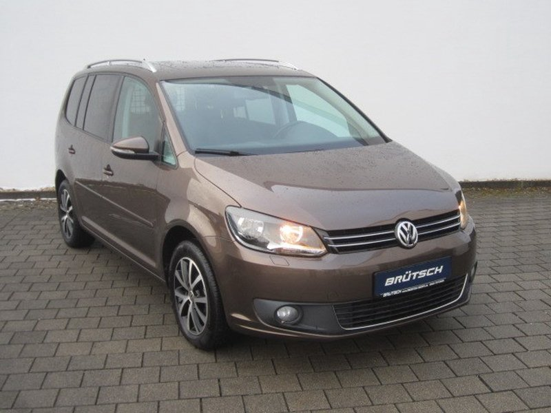volkswagen touran 1 6 tdi comfortline bmt panorama ahk. Black Bedroom Furniture Sets. Home Design Ideas